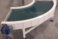 90° belt conveyor with conical roller headers